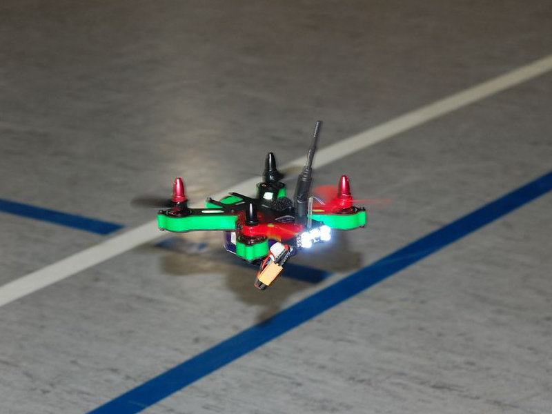 Super agiler und schneller Racing-Quadrocopter, 130mm Rotor-Abstand.